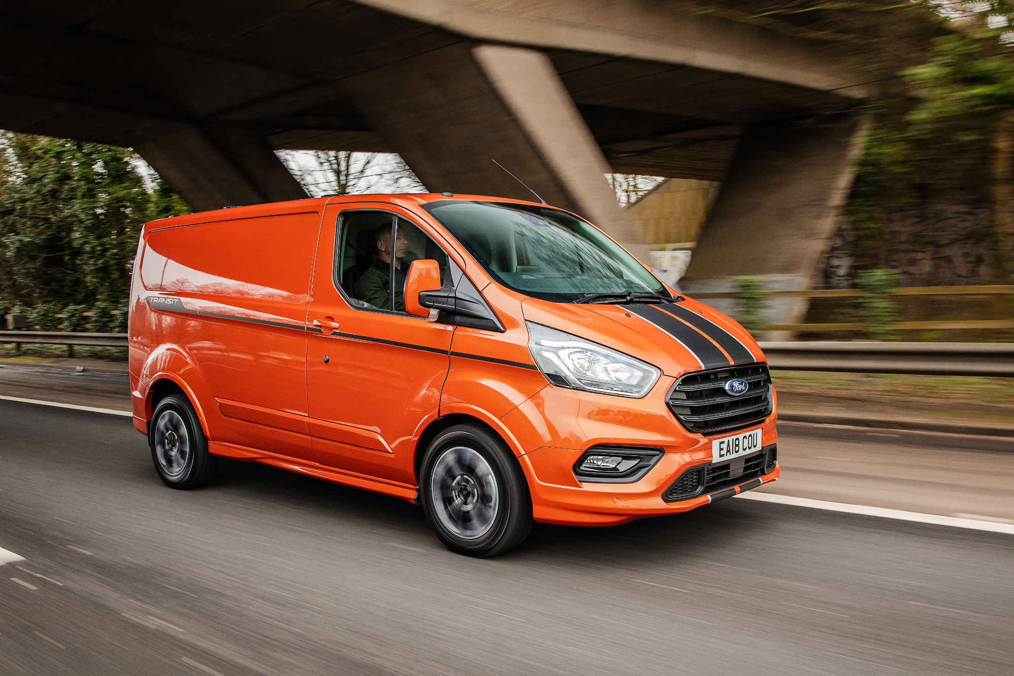 87c92c475828e7 What Van  Awards 2019  Medium Van of the Year – Ford Transit Custom